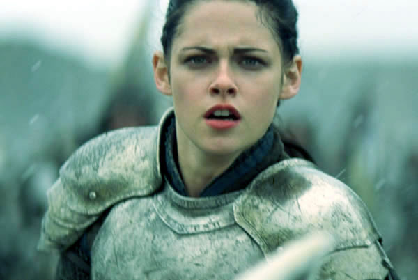 http://www.themovieguys.net/wp-content/uploads/2012/06/kristen-stewart-snow-white-and-the-huntsman.jpg